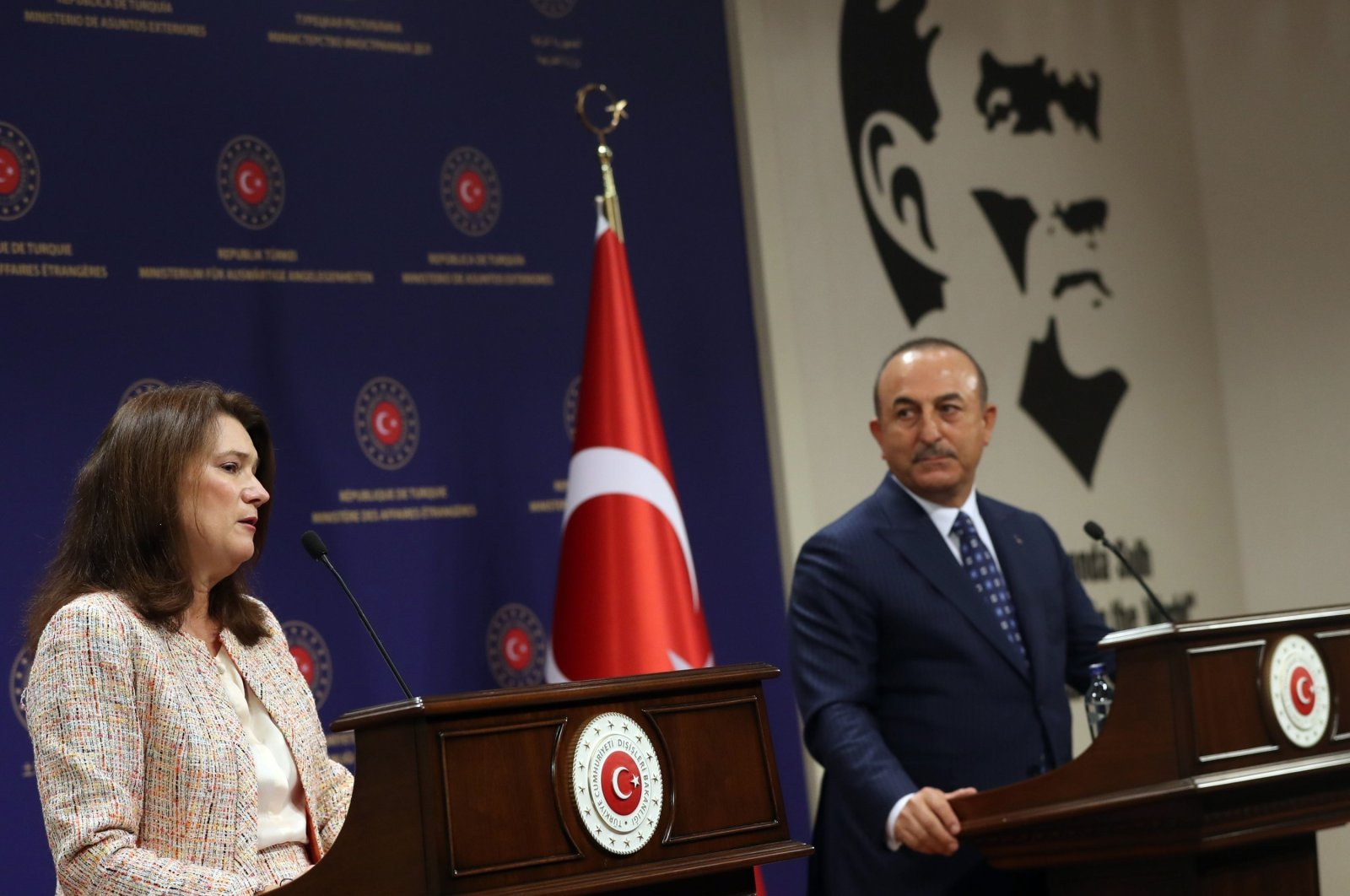 Swedish Foreign Minister Ann Linde (L) and Turkish Foreign Minister Mevlüt Çavuşoğlu hold a joint press conference after their meeting at the Foreign Ministry's headquarters in Ankara, Turkey, Oct. 13, 2020. (AFP Photo)
