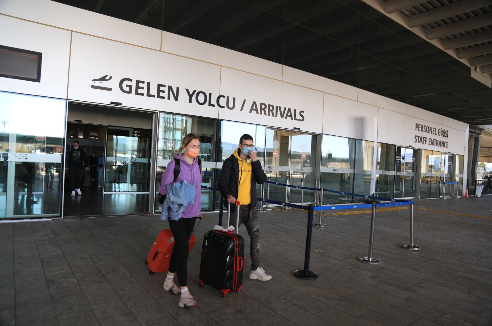 Russian tourists arrive at Milas-Bodrum Airport, Bodrum, southwestern Turkey, April 11, 2021. (AA Photo)