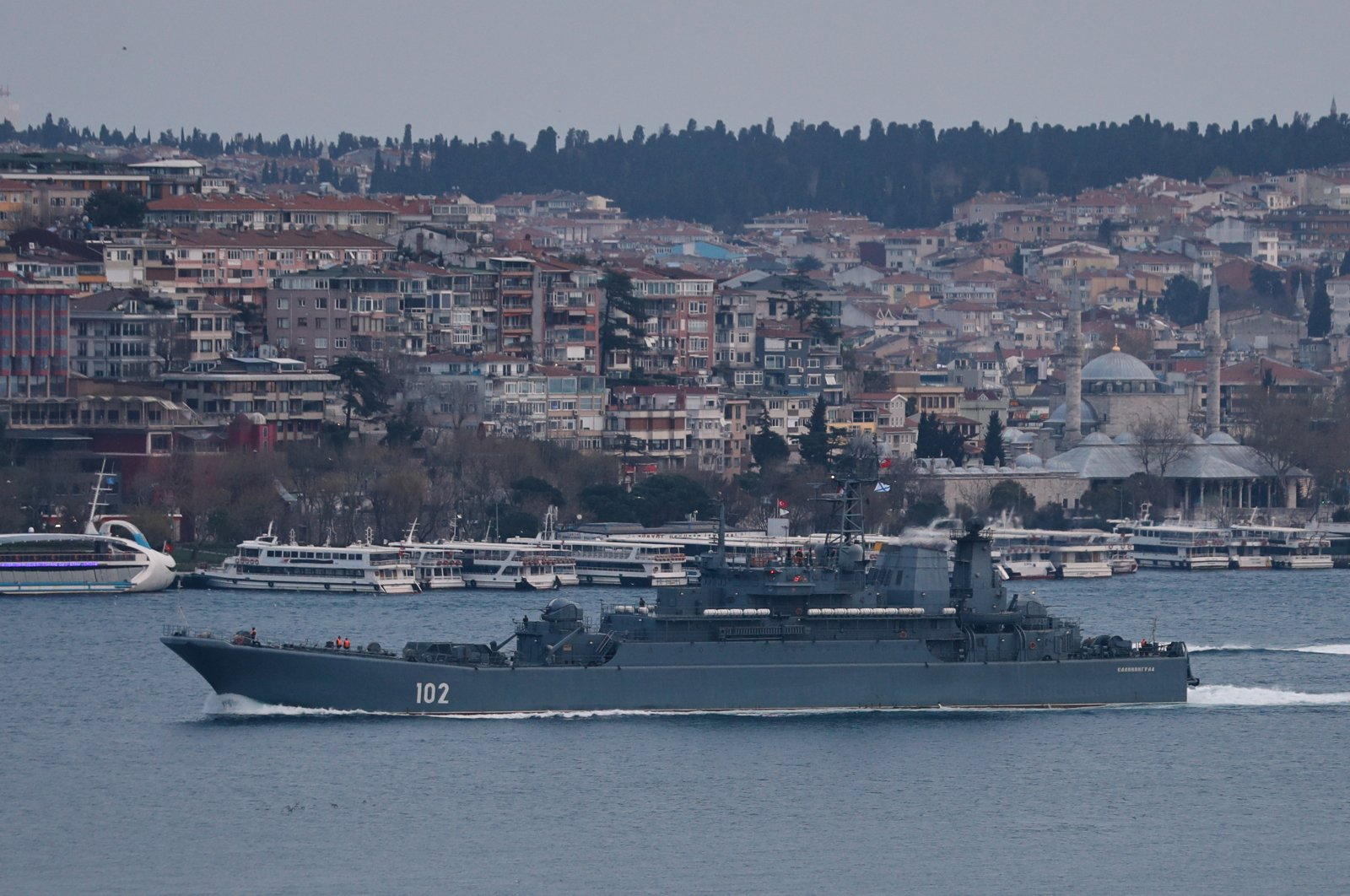 The Russian Navy's Ropucha-class landing ship Kaliningrad sets sail in the Bosporus, on its way to the Black Sea, in Istanbul, Turkey April 17, 2021. (Reuters Photo)