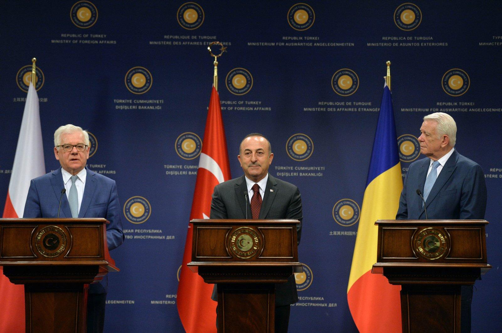 Foreign Minister Mevlüt Çavuşoğlu (center) attends news conference with Polish counterpart Jacek Czaputowicz and Romanian Foreign Minister Teodor Viorel Meleșcanu, in Ankara, Turkey April 19, 2019 (AA File Photo)