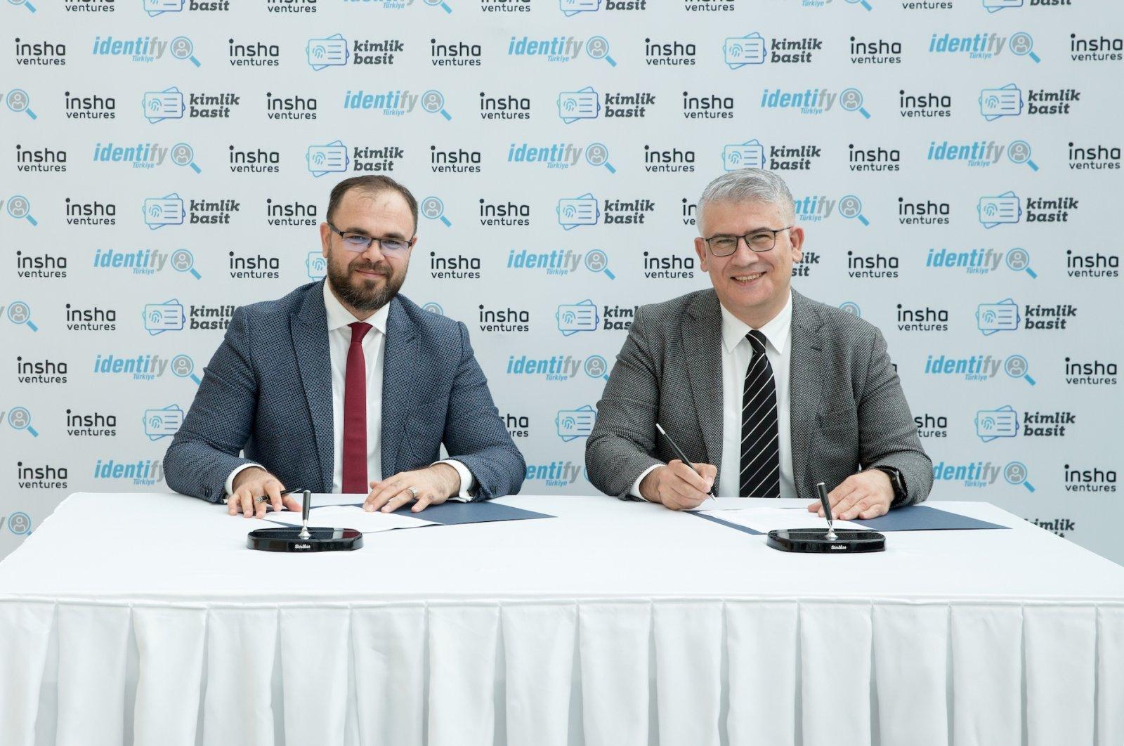 Insha Ventures General Manager Yakup Sezer (L) sits next to Identify Turkey General Manager Ali Haydar Ünsal.