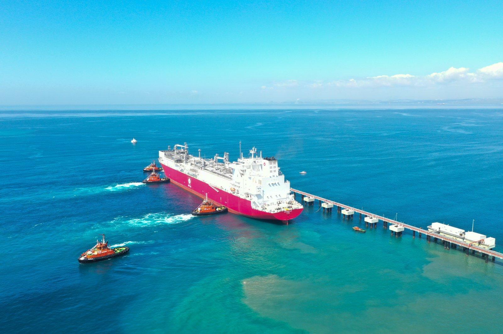 Turkey's first floating storage and regasification unit (FSRU) Ertuğrul Gazi arrives at the port in Dörtyol in Turkey's southern province of Hatay, Turkey, April 22, 2021. (AA Photo)