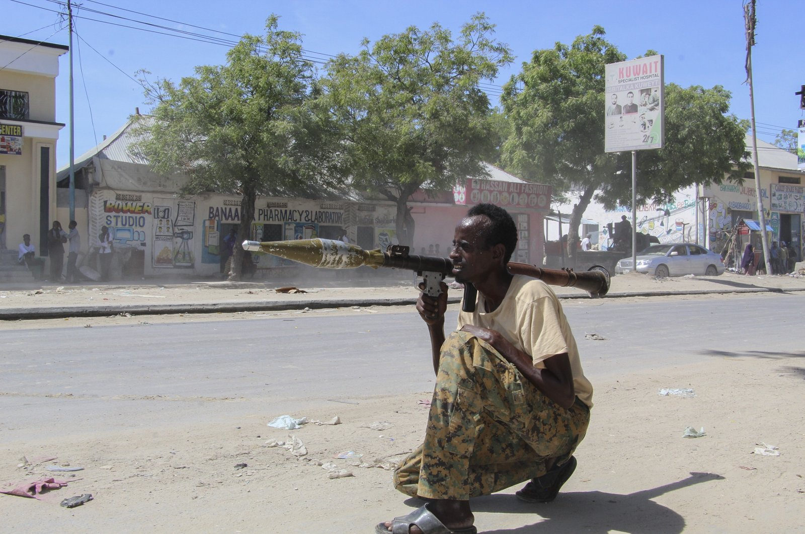 A Somali soldier loyal to commander Saney Abdulle, a break-away military faction, points a rocket-propelled grenade (RPG) on the streets of Fagah in northern Mogadishu, Somalia, April 25, 2021. (EPA Photo)