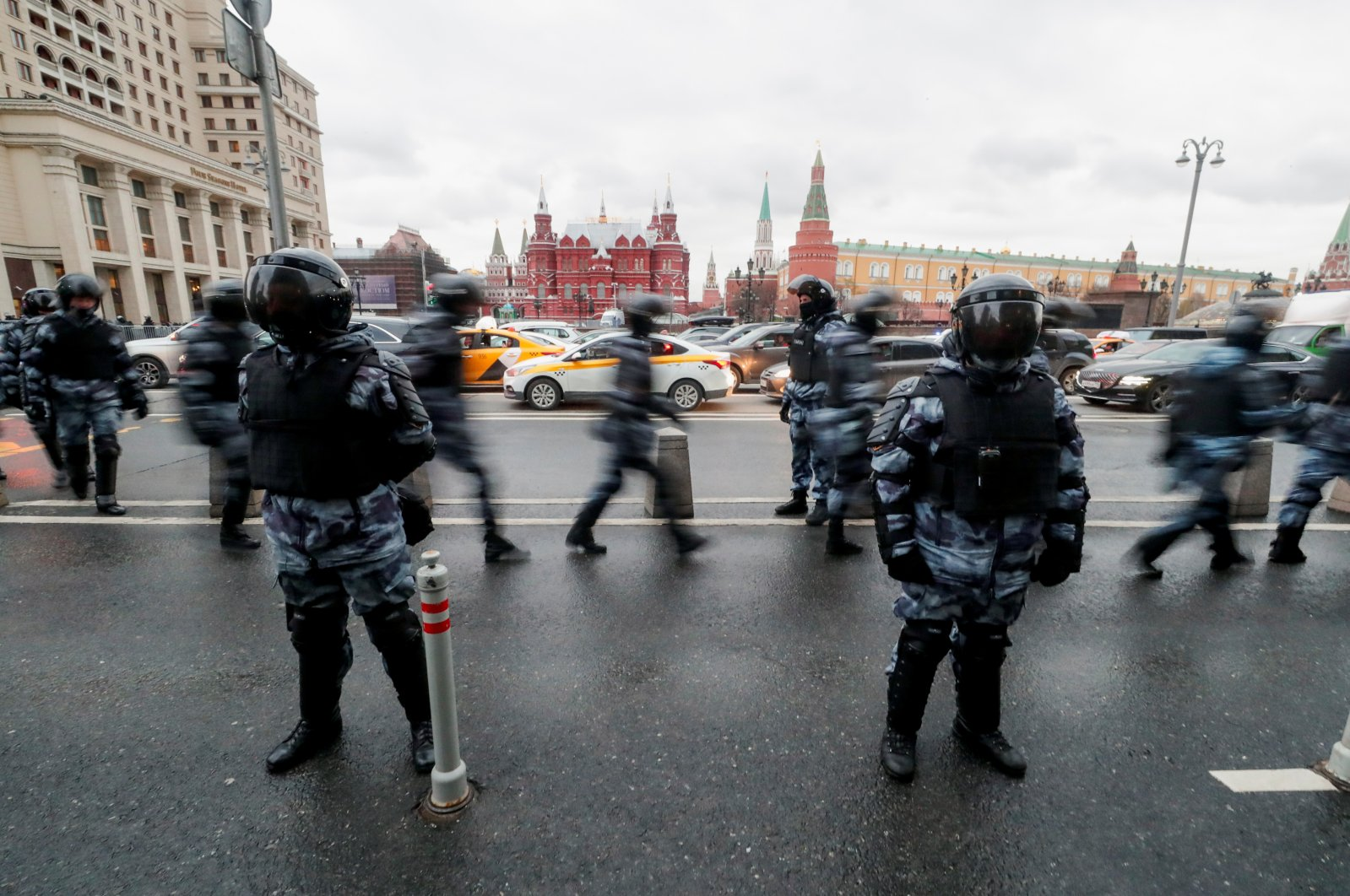 Police officers stand guard in Moscow, Russia, April 21, 2021. (Reuters Photo)