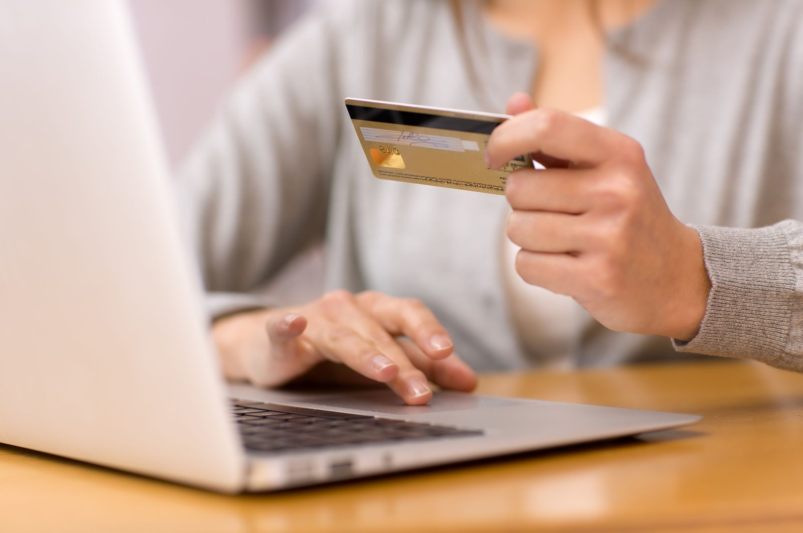 E-commerce volume in Turkey expanded by 64% in the first half of 2020. (Shutterstock Photo)