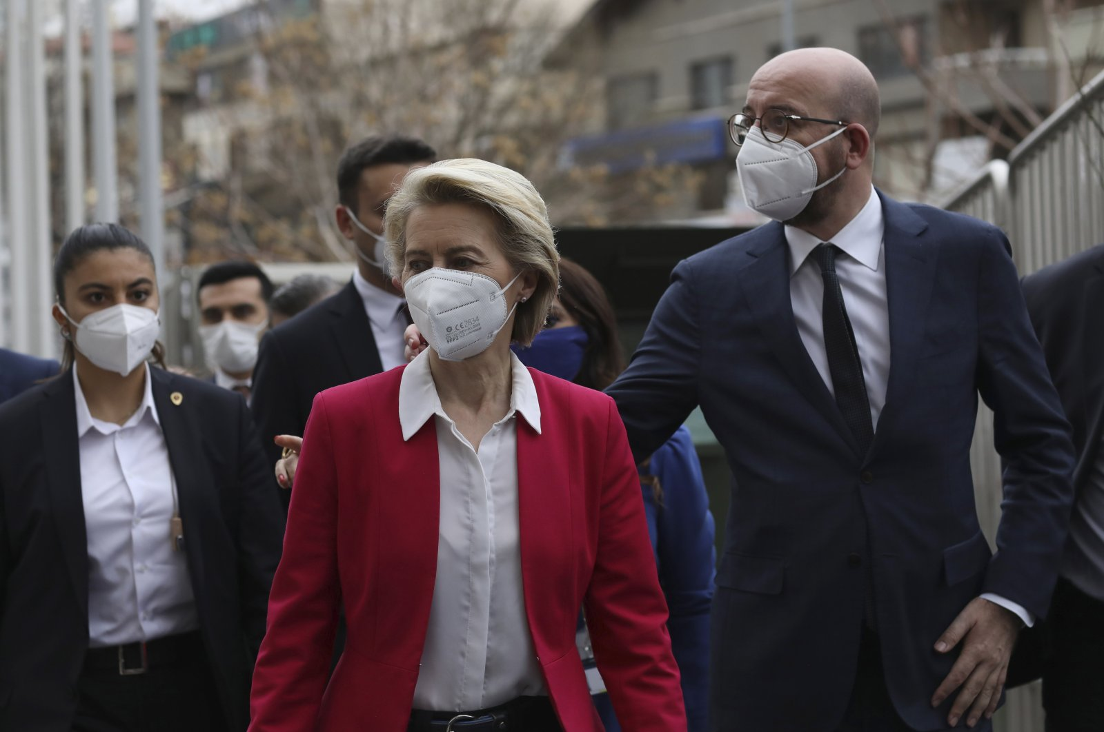 European Commission President Ursula von der Leyen (C) and European Council President Charles Michel arrive for a joint news conference after talks with President Recep Tayyip Erdoğan, in Ankara, Turkey, April 6, 2021. (AP Photo)