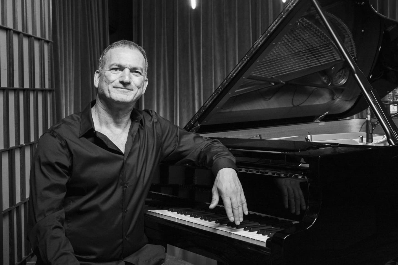 Kerem Görsev has recorded 18 albums since 1995.