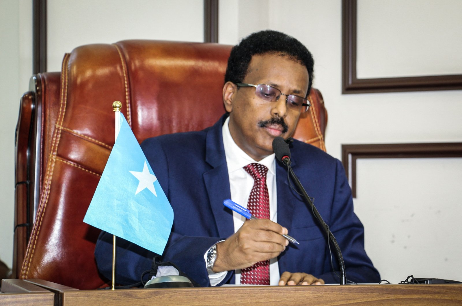 Somalia's President Mohamed Abdullahi Mohamed, commonly known by his nickname of Farmajo, attends a special assembly to discuss abandoning the two-year extension of his presidential term and to request an immediate election to ease recent political tensions, at Villa Hargeisa in Mogadishu, Somalia, May 1, 2021. (AFP Photo)
