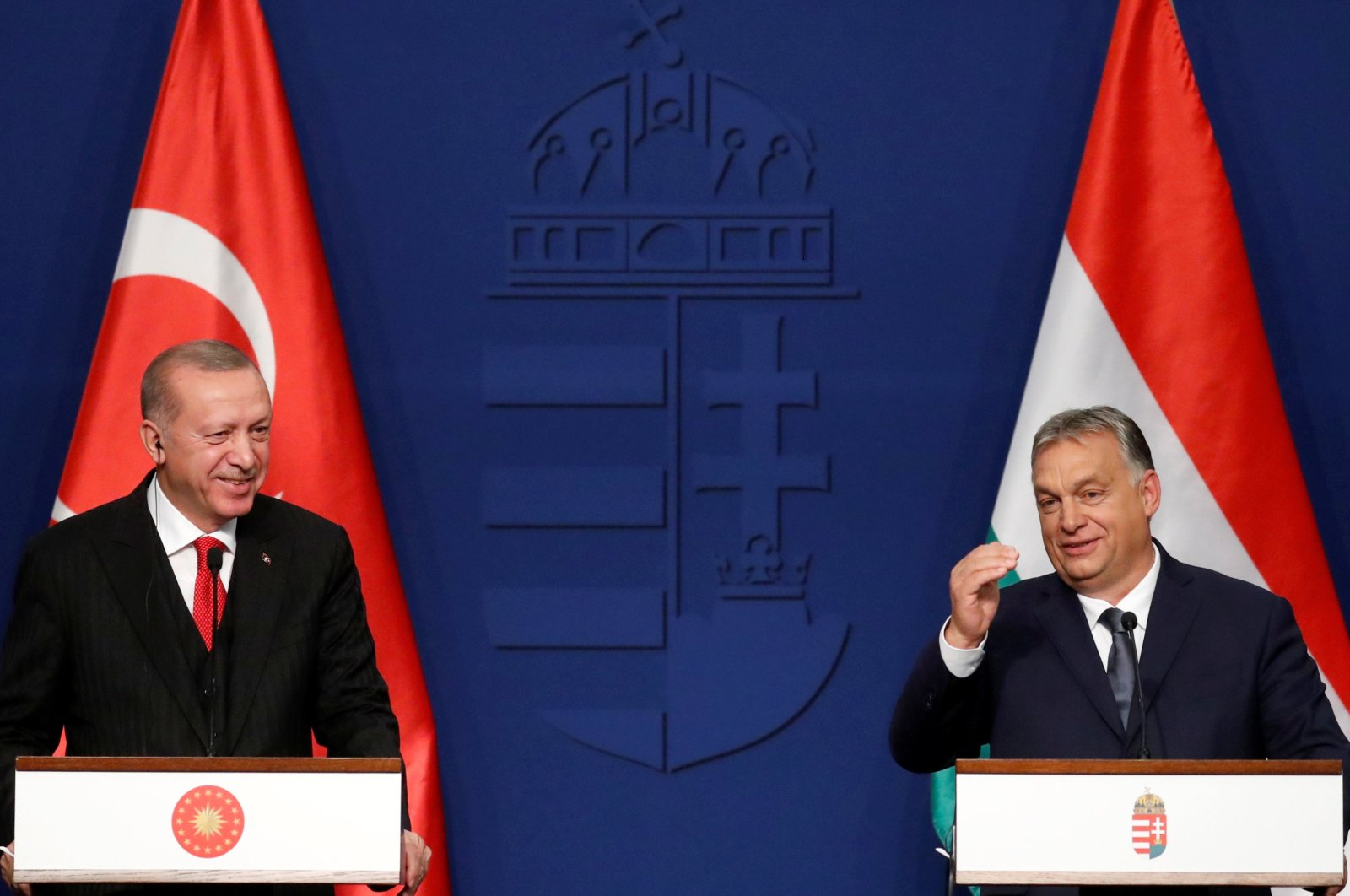 President Recep Tayyip Erdoğan (L) and Hungarian Prime Minister Viktor Orban hold a news conference in Budapest, Hungary, November 7, 2019. (REUTERS Photo)