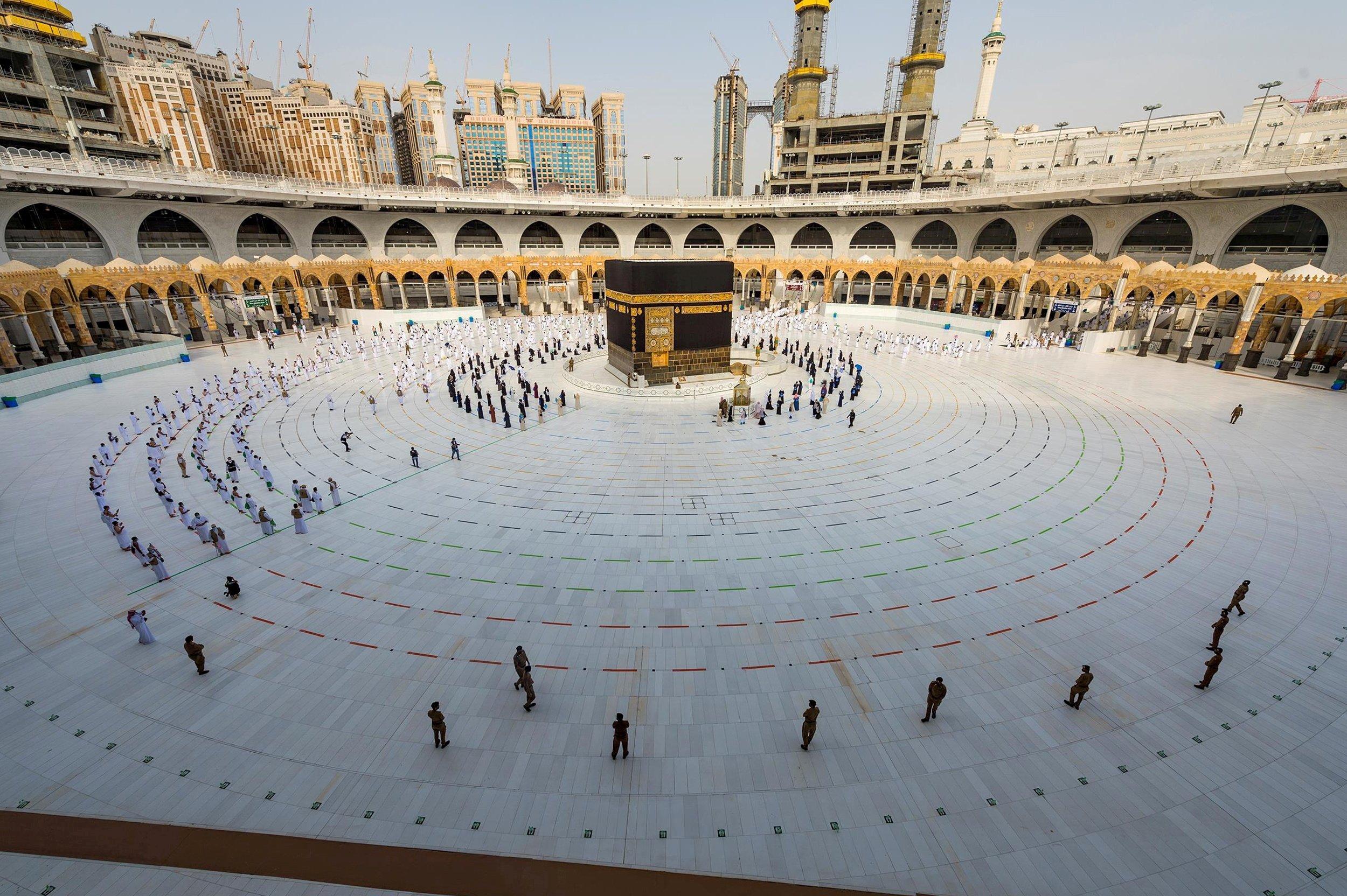 Riyadh may block overseas hajj pilgrims again amid COVID-19 pandemic |  Daily Sabah
