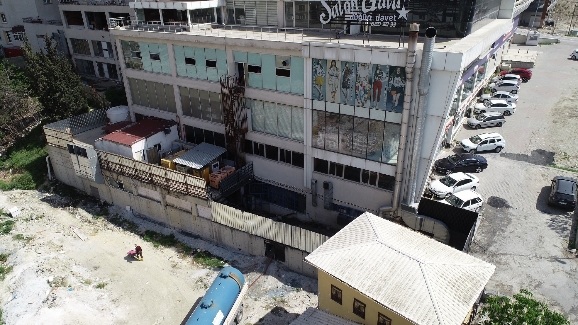 The textile washing facility responsible for causing the pollution in the stream in Istanbul's Esenyurt district, Turkey, May 5, 2021. (DHA Photo)
