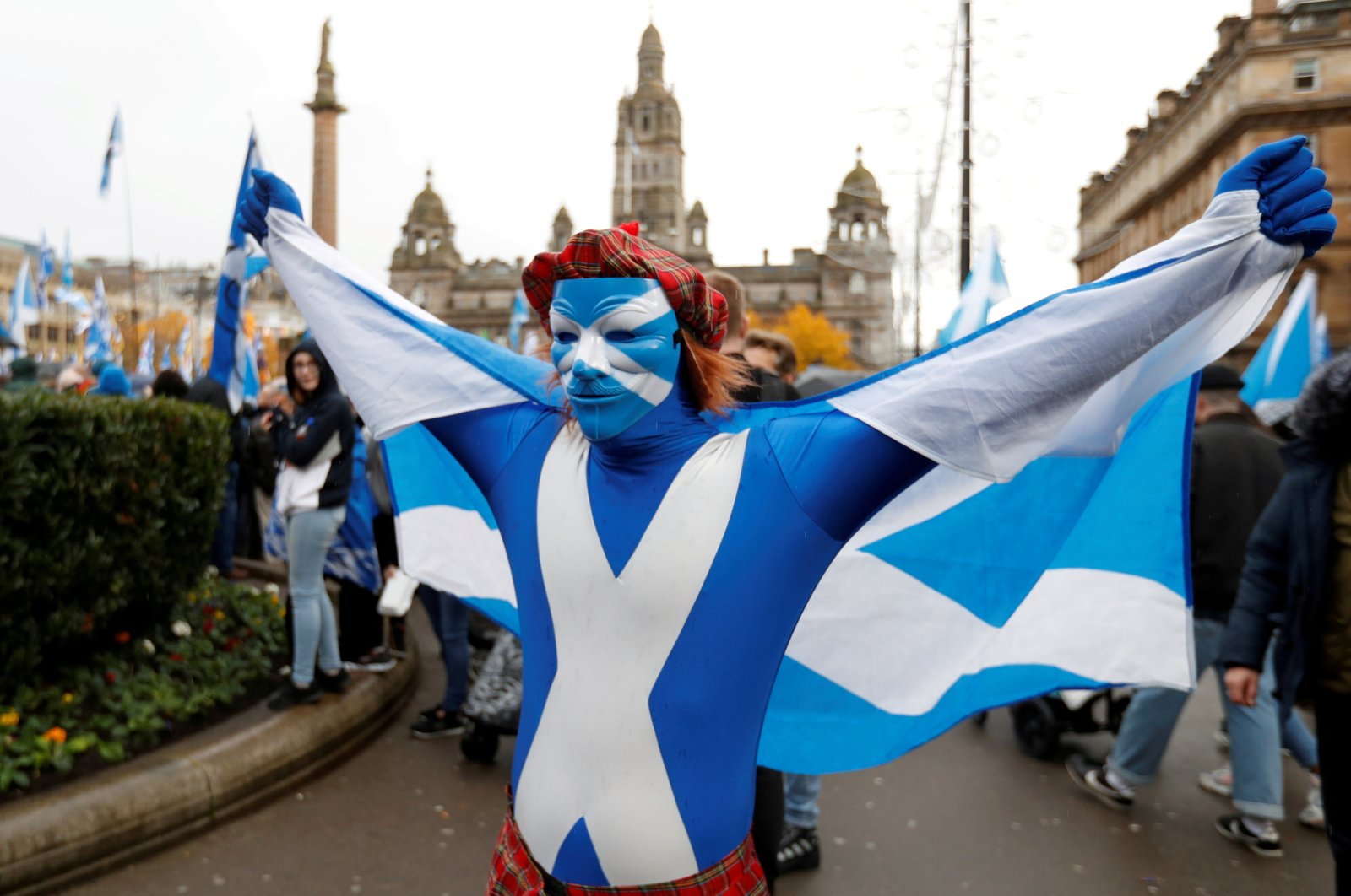 A demonstrator holds a flag during a pro-Scottish Independence rally in Glasgow, Scotland, Nov. 2, 2019. (Reuters Photo)