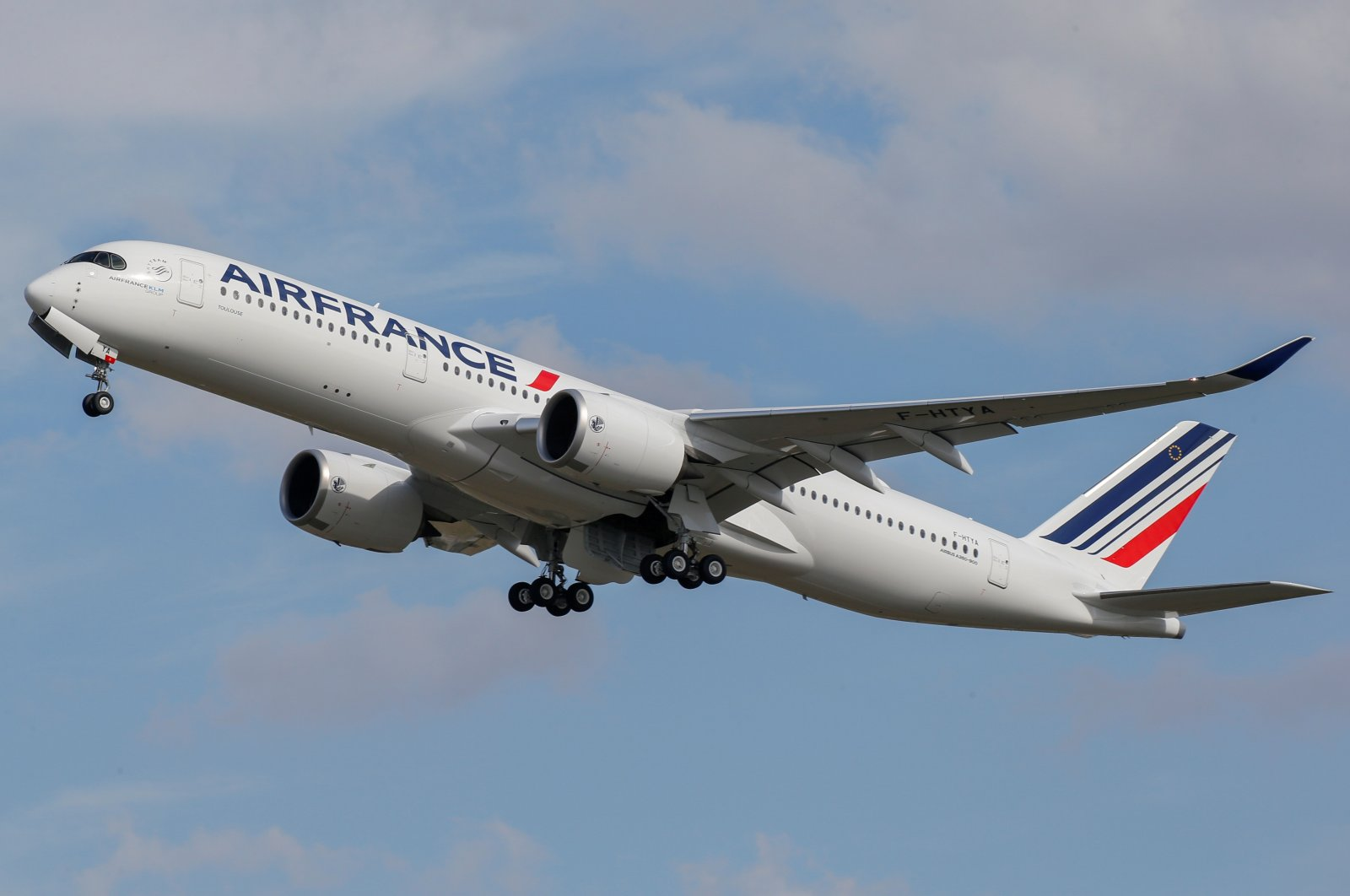 The first Air France Airbus A350 takes off after a ceremony at the aircraft maker's headquarters in Colomiers near Toulouse, France, Sept. 27, 2019. (Reuters Photo)