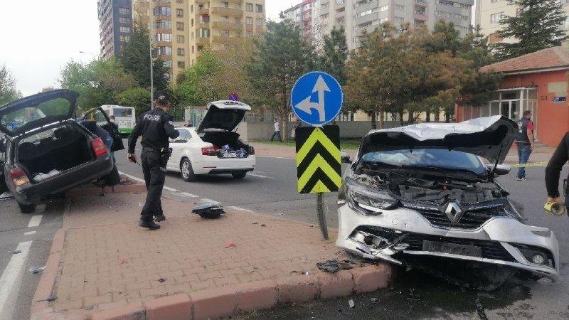A traffic accident in Kayseri, Turkey, on May 1, 2021. (IHA Photo)