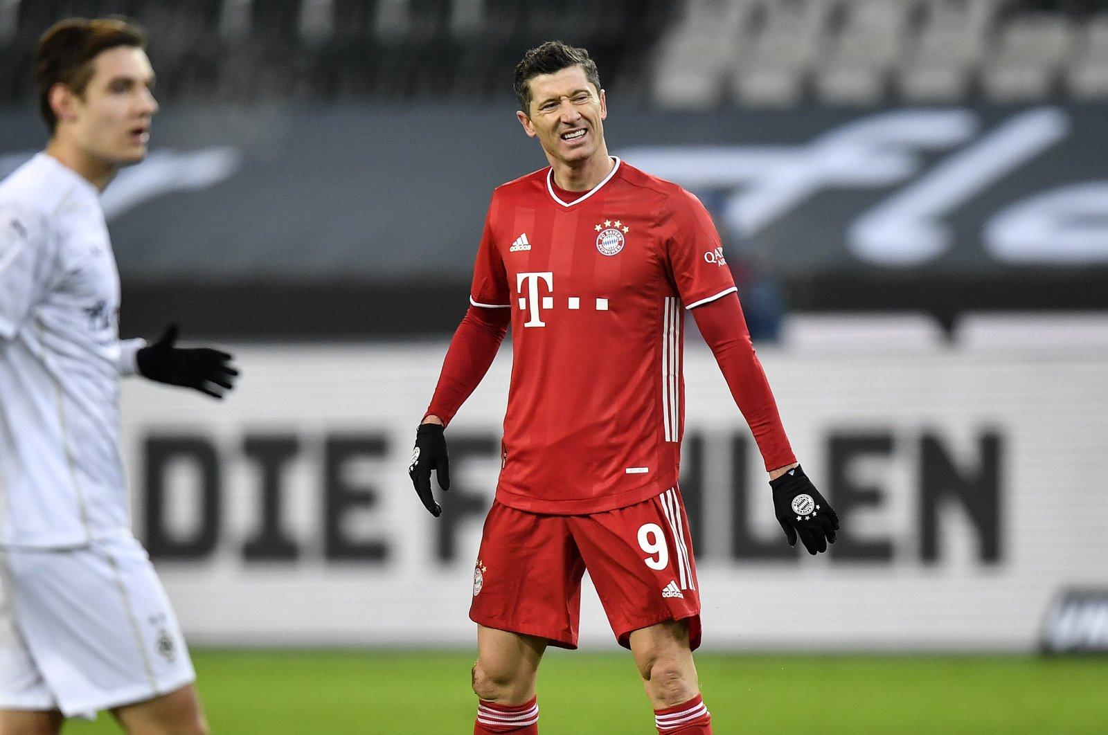 Bayern's Robert Lewandowski reacts disappointedly during a Bundesliga match against Borussia Monchengladbach at Borussia Park, in Monchengladbach, Germany, Jan. 8, 2021. (AP Photo)