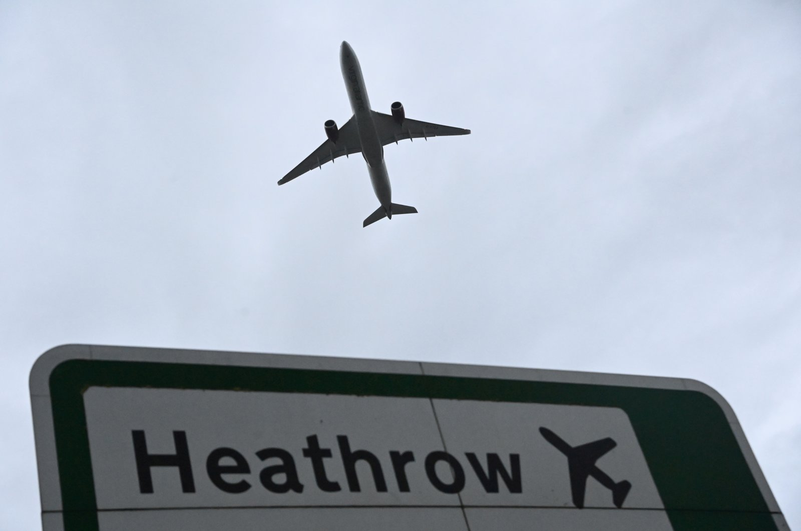 An aircraft takes off at Heathrow Airport amid the spread of the COVID-19 pandemic in London, Britain, Feb. 4, 2021. (Reuters Photo)