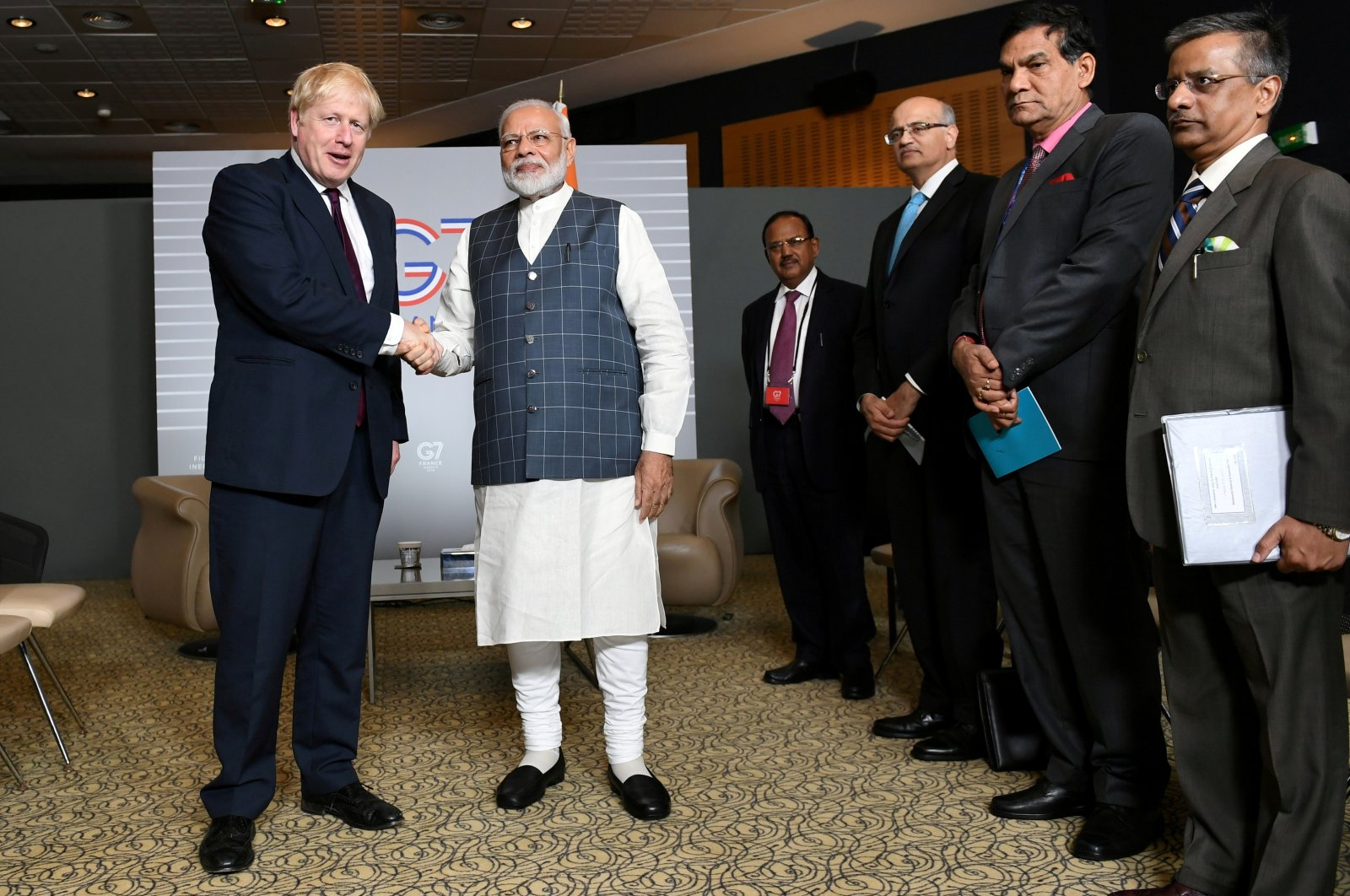 Britain's Prime Minister Boris Johnson meets Indian Prime Minister Narendra Modi at a bilateral meeting during the G-7 summit in Biarritz, France, Aug. 25, 2019. (Reuters Photo)