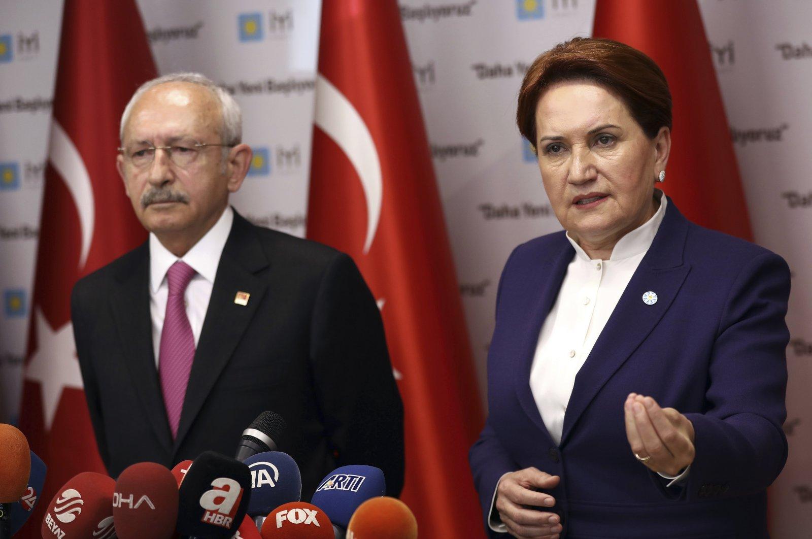 CHP Chairperson Kemal Kılıçdaroğlu (L) and IP Chairperson Meral Aksener (R) speak to the media in the Turkish capital, Ankara, Turkey, April 8, 2019. (AP File Photo)