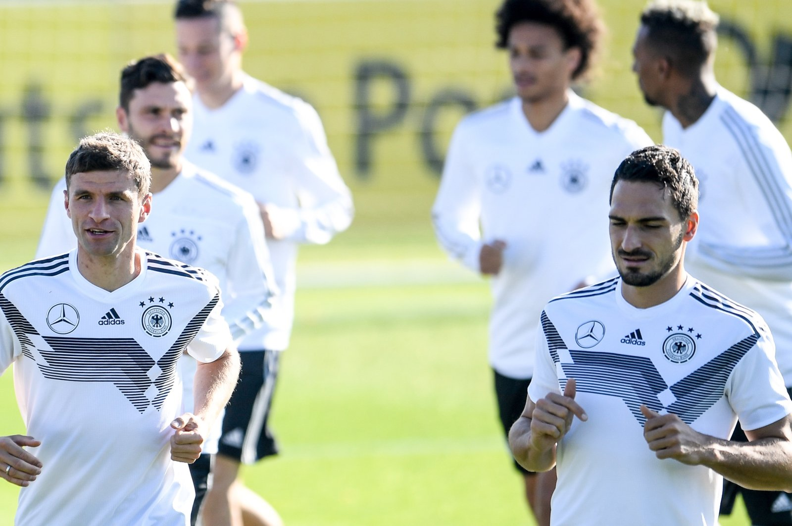 German national footballers Thomas Muller (L) and Mats Hummels attend a training session in Berlin, Germany, Oct. 11, 2018. (EPA Photo)