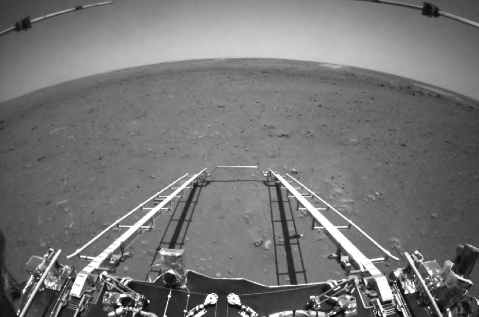 This picture released on May 19, 202 by the China National Space Administration (CNSA) via CNS shows an image taken by the Zhurong rover on the surface of Mars. (AFP Photo)