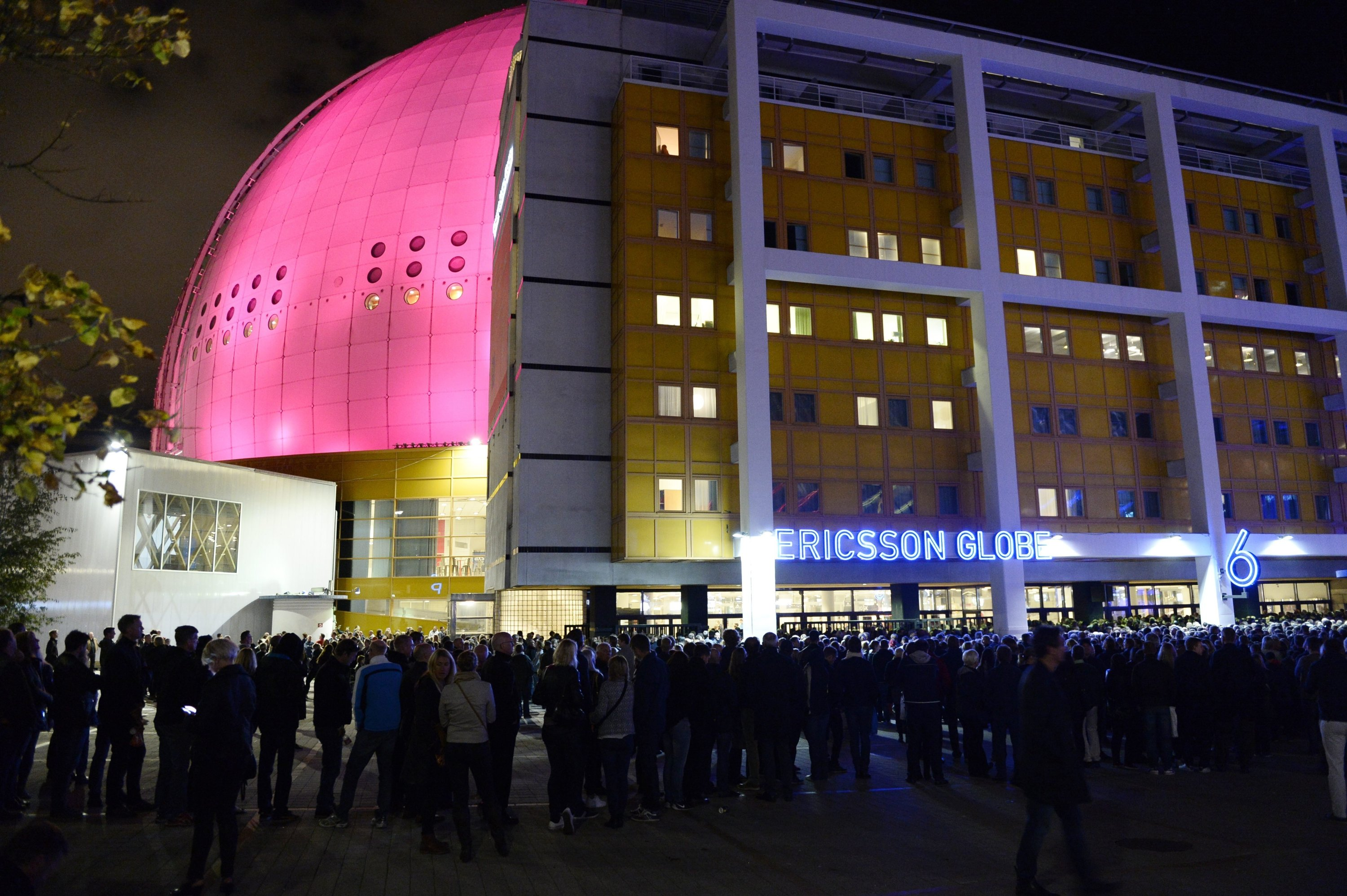 People queue outside the Globe Arena for a U2 concert in Stockholm, Sweden, Sept. 21, 2015. (AP File Photo)