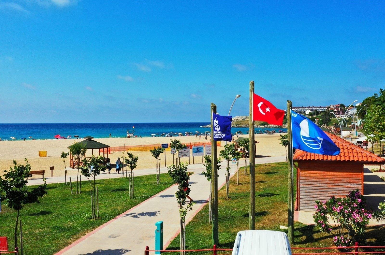 A beach awarded with the Blue Flag in Kocaeli, Turkey, May 20, 2021. (IHA Photo)