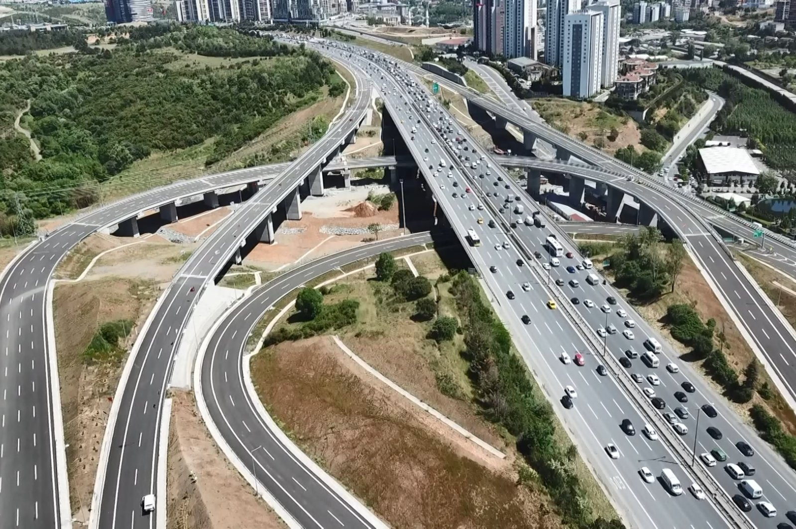 An aerial image showing parts of newly completed last section of Northern Marmara Motorway located in northwestern Turkey, May 19, 2021. (DHA Photo)