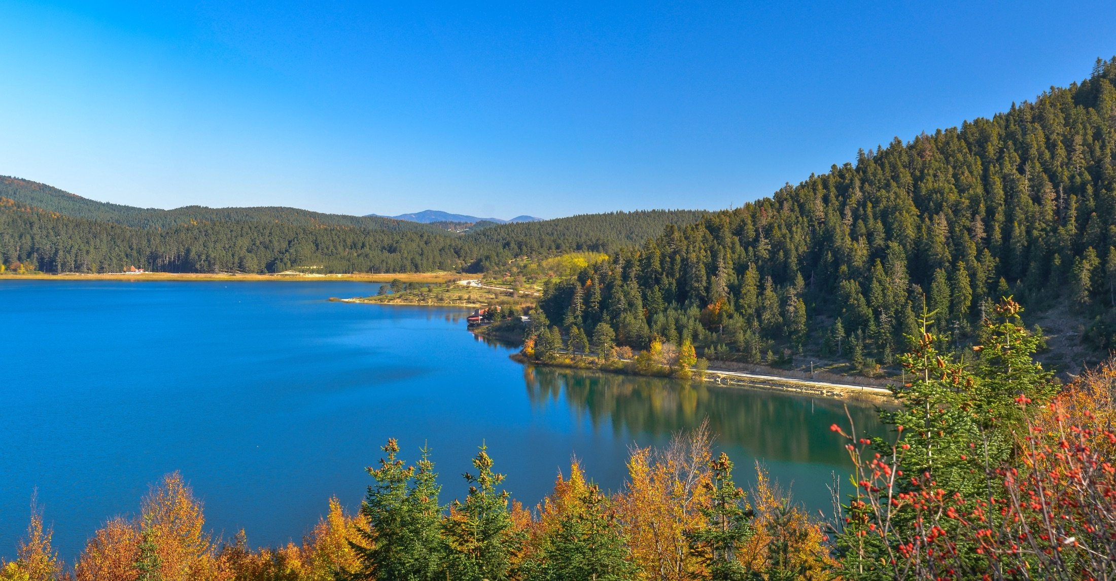 An aerial view of Lake Abant with its peaceful water can be seen in Bolu, Turkey, May 29, 2018. (iStock Photo)