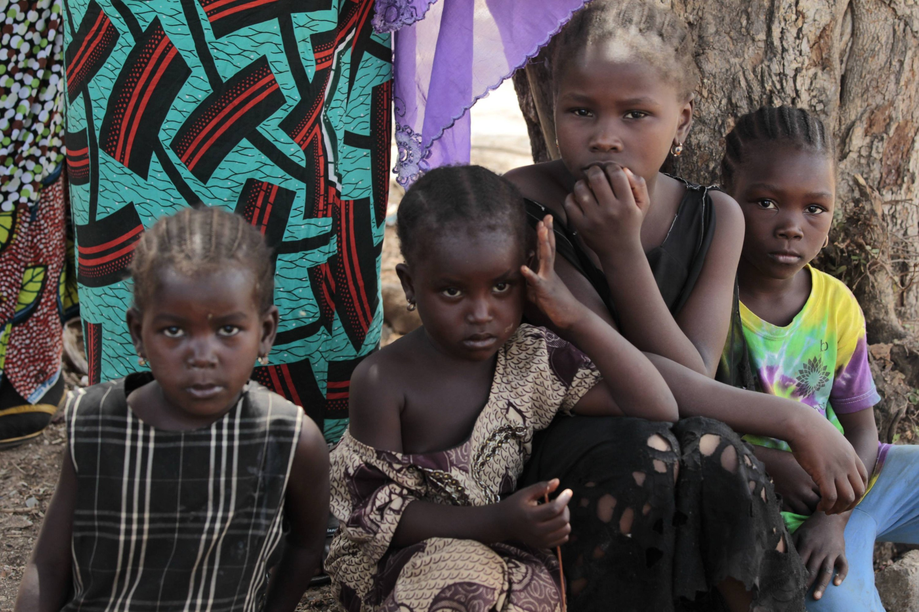 Children gather at a camp for displaced people fleeing violence from Gulak, a border town that was attacked by Boko Haram militants in September 2014, northern Adamawa state, Nigeria, Jan. 31, 2015. (Reuters File Photo)