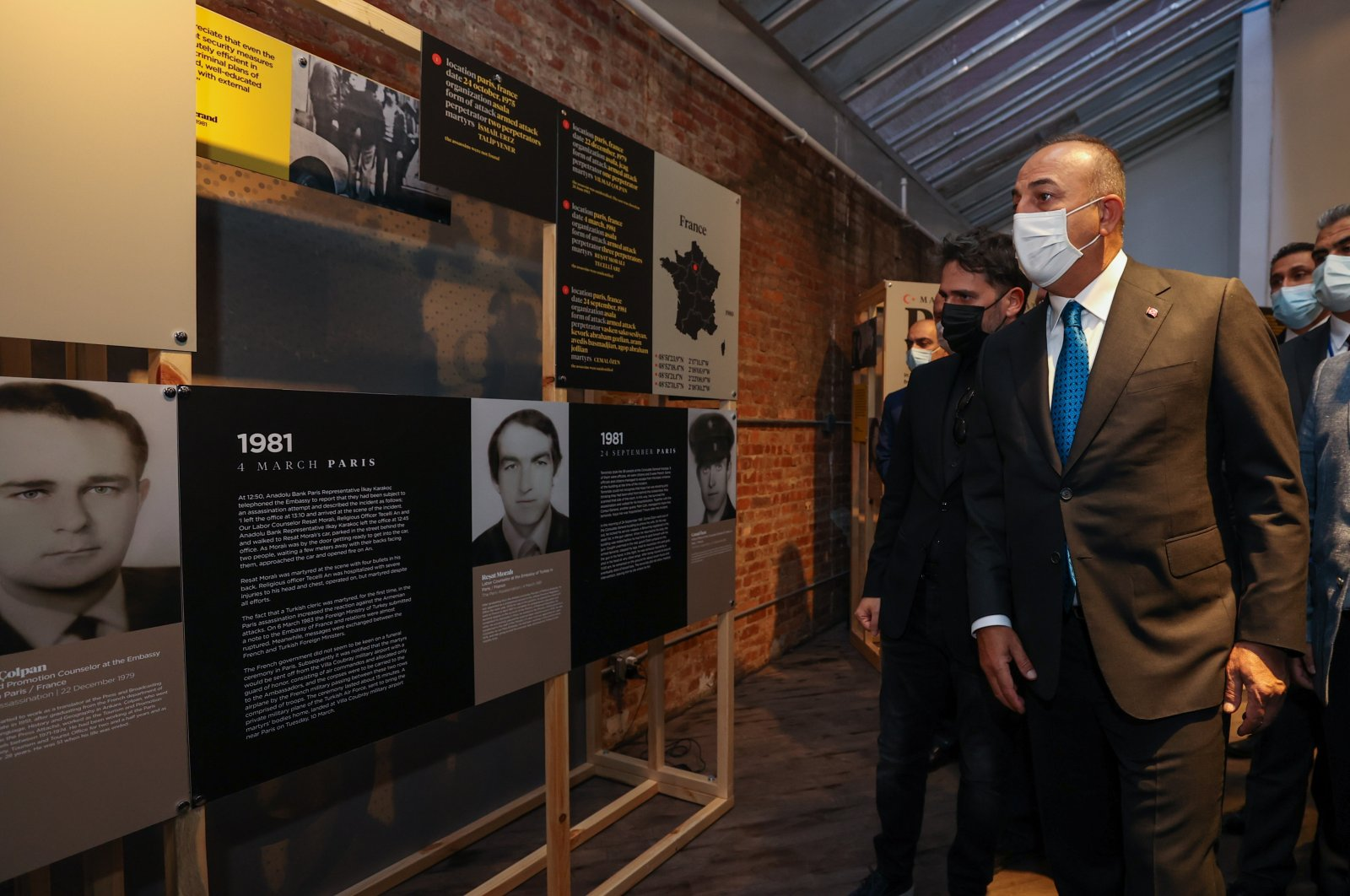 """Foreign Minister Mevlüt Çavuşoğlu visits the """"Martyred Diplomats Exhibition"""" in New York, U.S., May 20, 2021. (AA Photo)"""