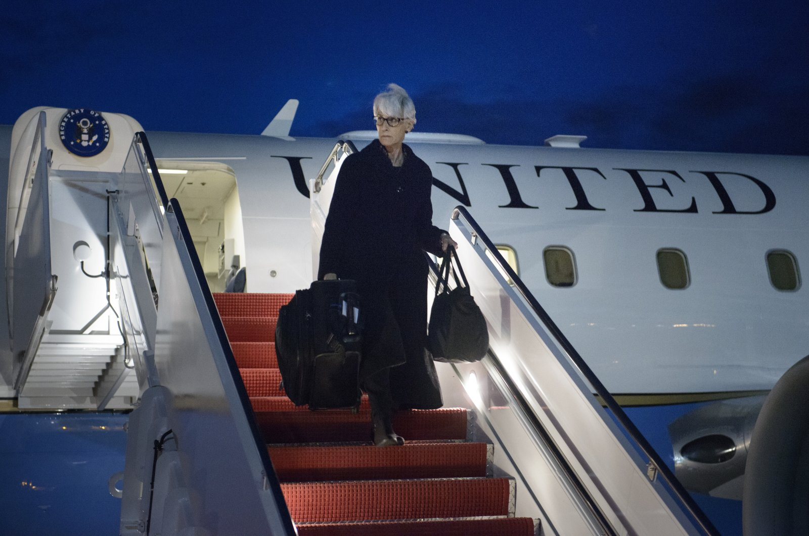 Then U.S. Under Secretary for Political Affairs and current U.S. Deputy Secretary of State Wendy Sherman arrives at Andrews Air Force Base in Maryland, U.S., April 3, 2015. (AFP File Photo)