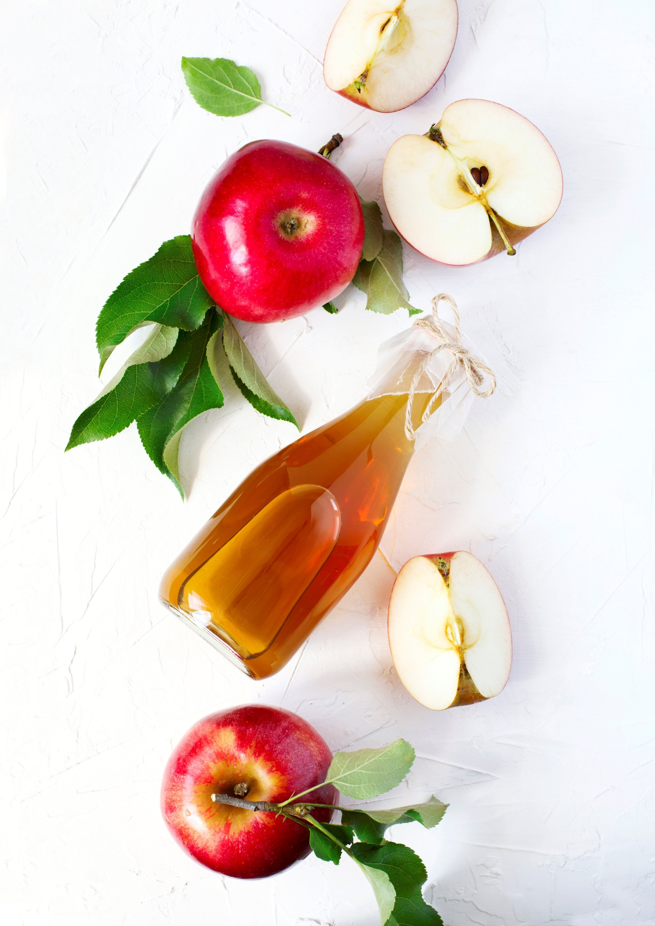 Don't be afraid to use different kinds of apples for your homemade vinegar. (Universal Images Group via Getty Images)