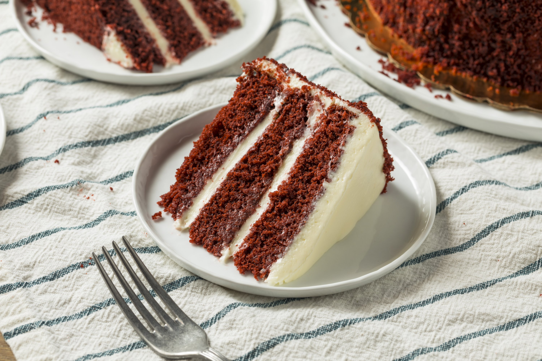 The key to fluffy red velvet cake may be vinegar. (iStock Photo)