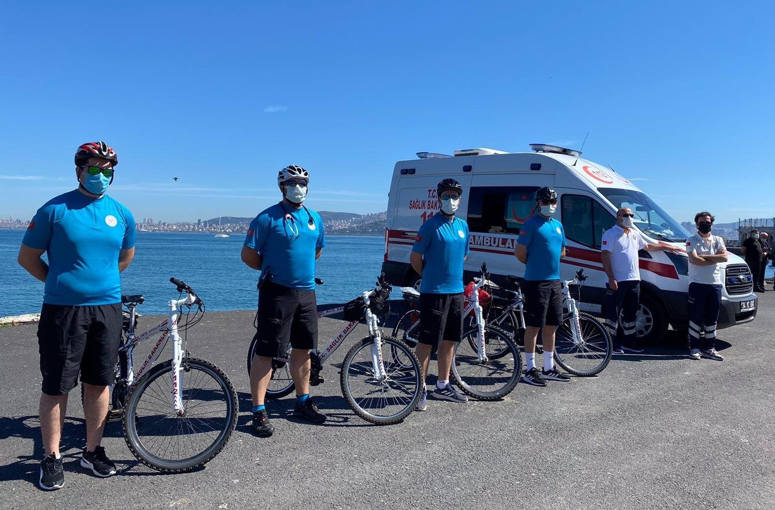The four members of the Büyükada and Heybeliada bicycle ambulance team. (AA Photo)