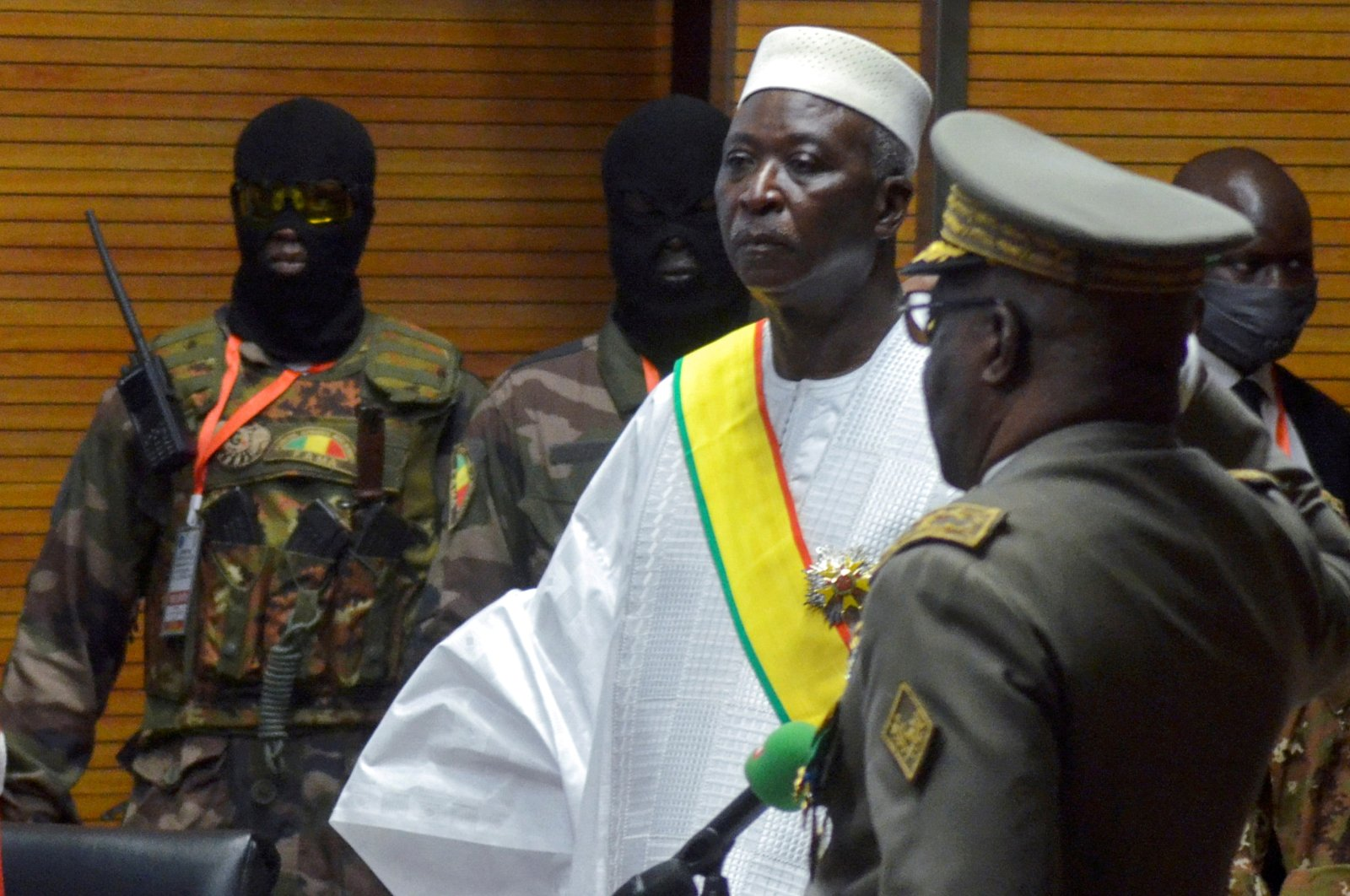 Mali's new interim President Bah Ndaw is sworn in during the inauguration ceremony in Bamako, Mali, Sept. 25, 2020. (Reuters Photo)