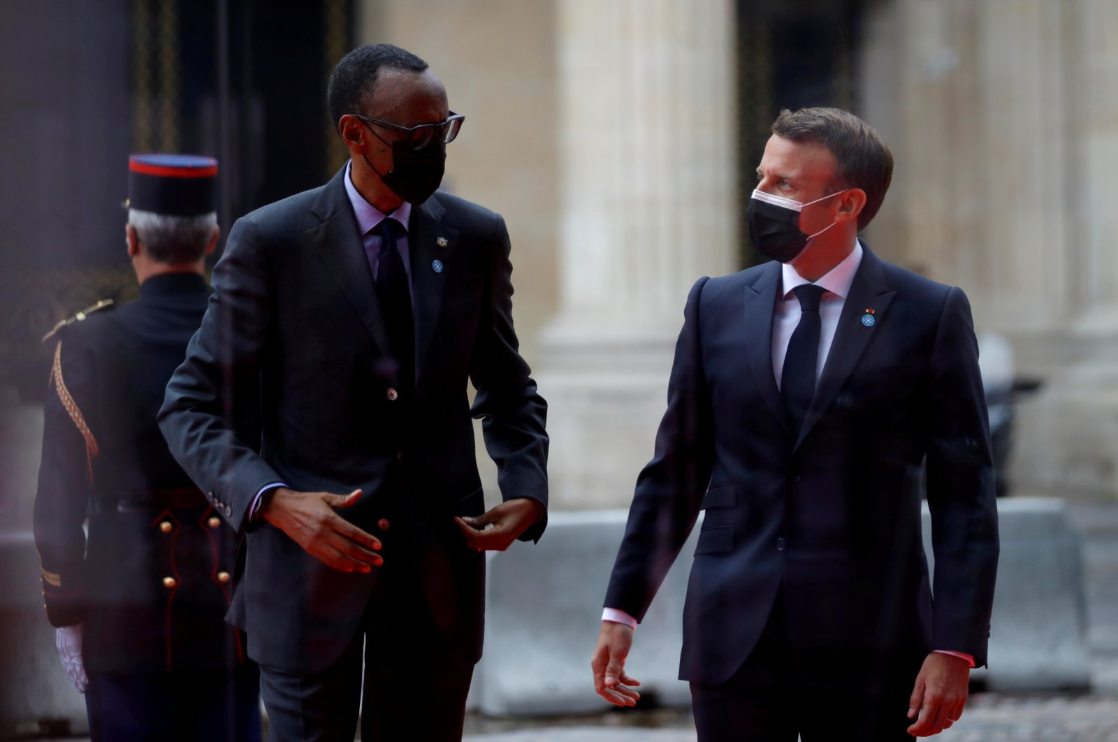 French President Emmanuel Macron welcomes Rwanda's President Paul Kagame as he arrives to attend the International Conference in support of Sudan at the Temporary Grand Palais in Paris, France, May 17, 2021. (Reuters Photo)