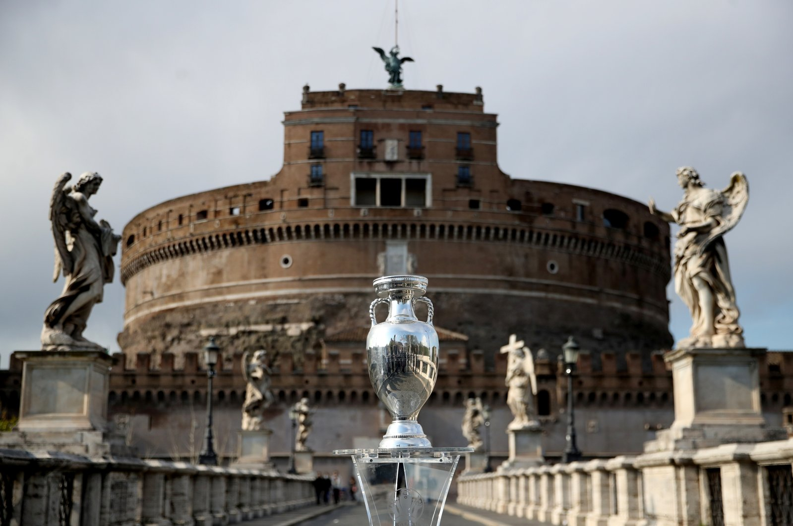 The UEFA European Championship trophy is displayed in Rome, Castel'Angelo Bridge, Rome, Italy, April 20, 2021. (Reuters Photo)