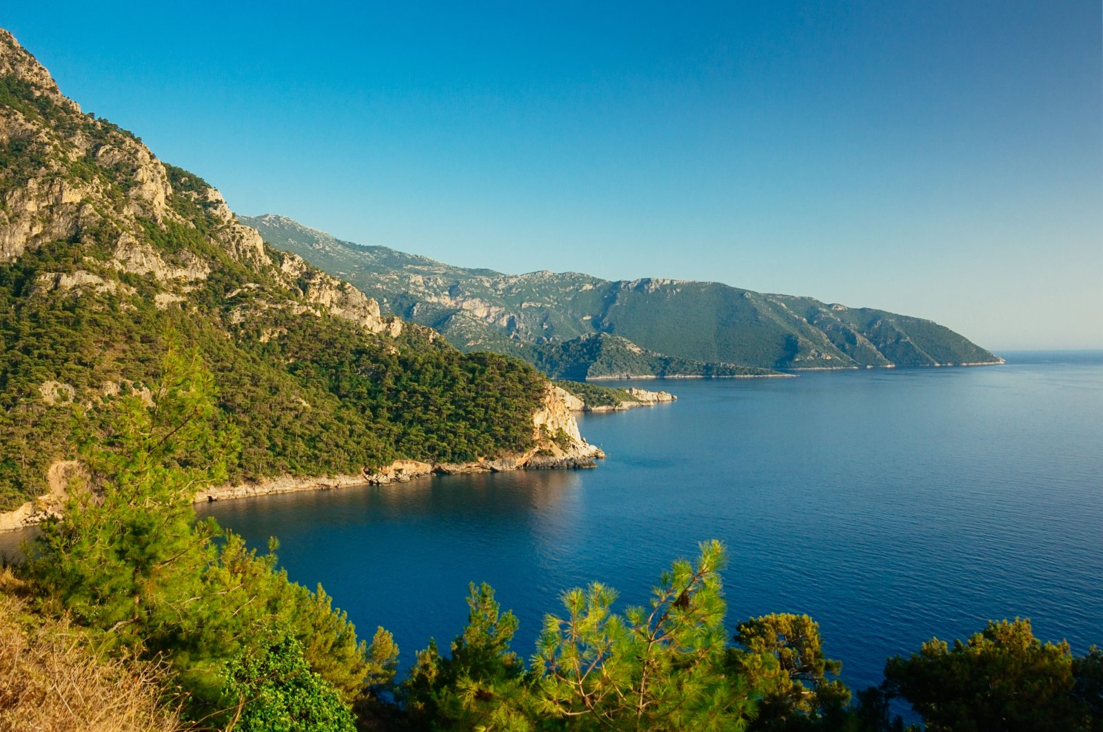 A view of the beautiful beach at Kabak Valley near Fethiye, Turkey. (Shutterstock Photo)