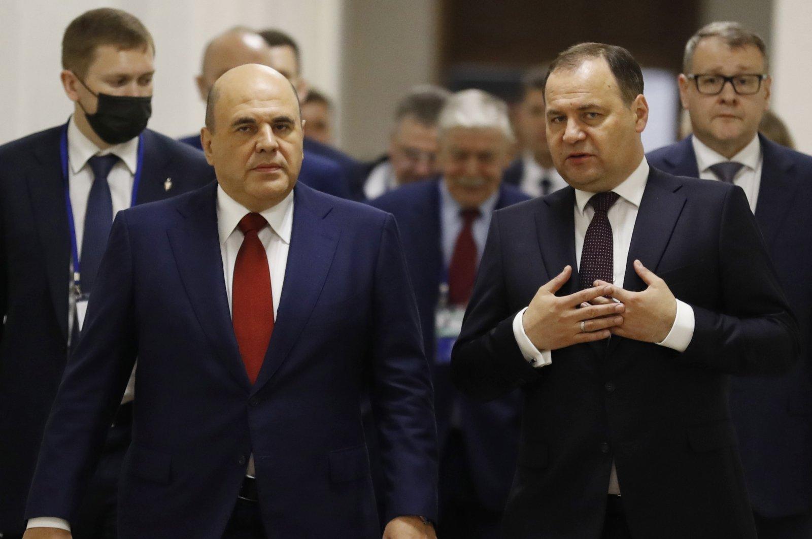Russian Prime Minister Mikhail Mishustin (front L) and Belarusian Prime Minister Roman Golovchenko (front R) meet in Minsk, Belarus, 27 May 2021.  (EPA/DMITRY ASTAKHOV / SPUTNIK / GOVERNMENT PRESS SERVICE)