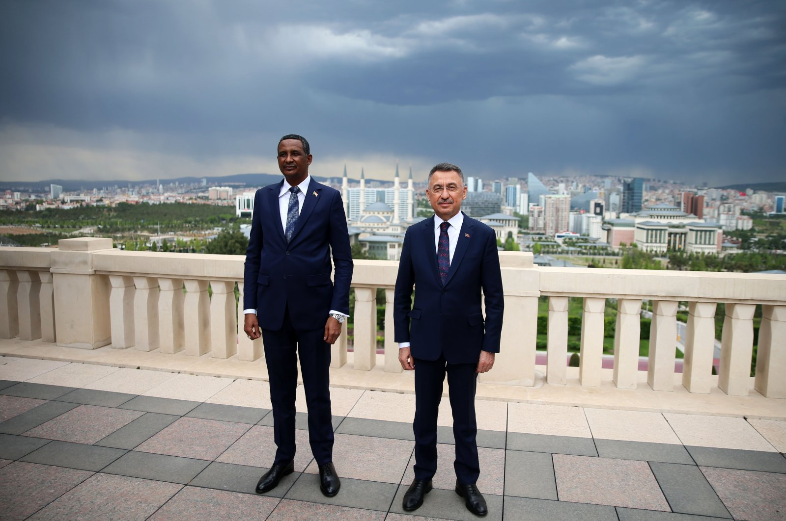 Mohamed Hamdan Dagalo, vice president of the Sudanese Transitional Sovereign Council, and Vice President Fuat Oktay (R) meet at the Presidential Complex in Ankara, Turkey, May 27, 2021. (AA Photo)