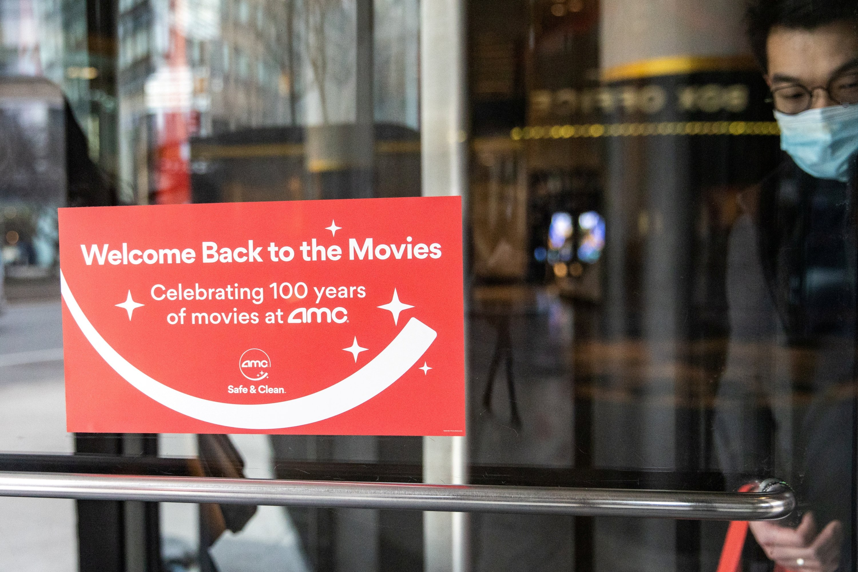 A sign welcomes guests to the AMC movie theater in Lincoln Square, amid the coronavirus disease (COVID-19) pandemic, in the Manhattan borough of New York City, New York, U.S., March 6, 2021. (REUTERS/File Photo)