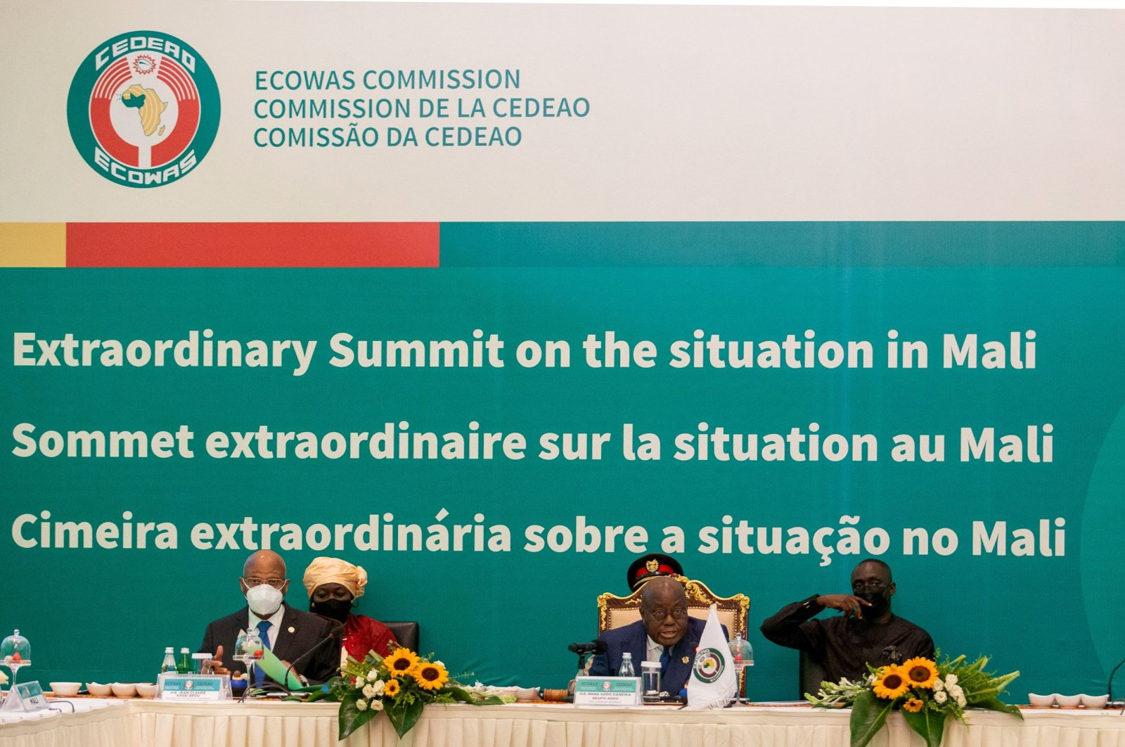 President of Ghana and Chair of the ECOWAS Nana Akufo-Addo (C), addresses dignitaries at the ECOWAS Extraordinary Summit on the situation in Mali in Accra, Ghana, on May 30, 2021. (AFP Photo)