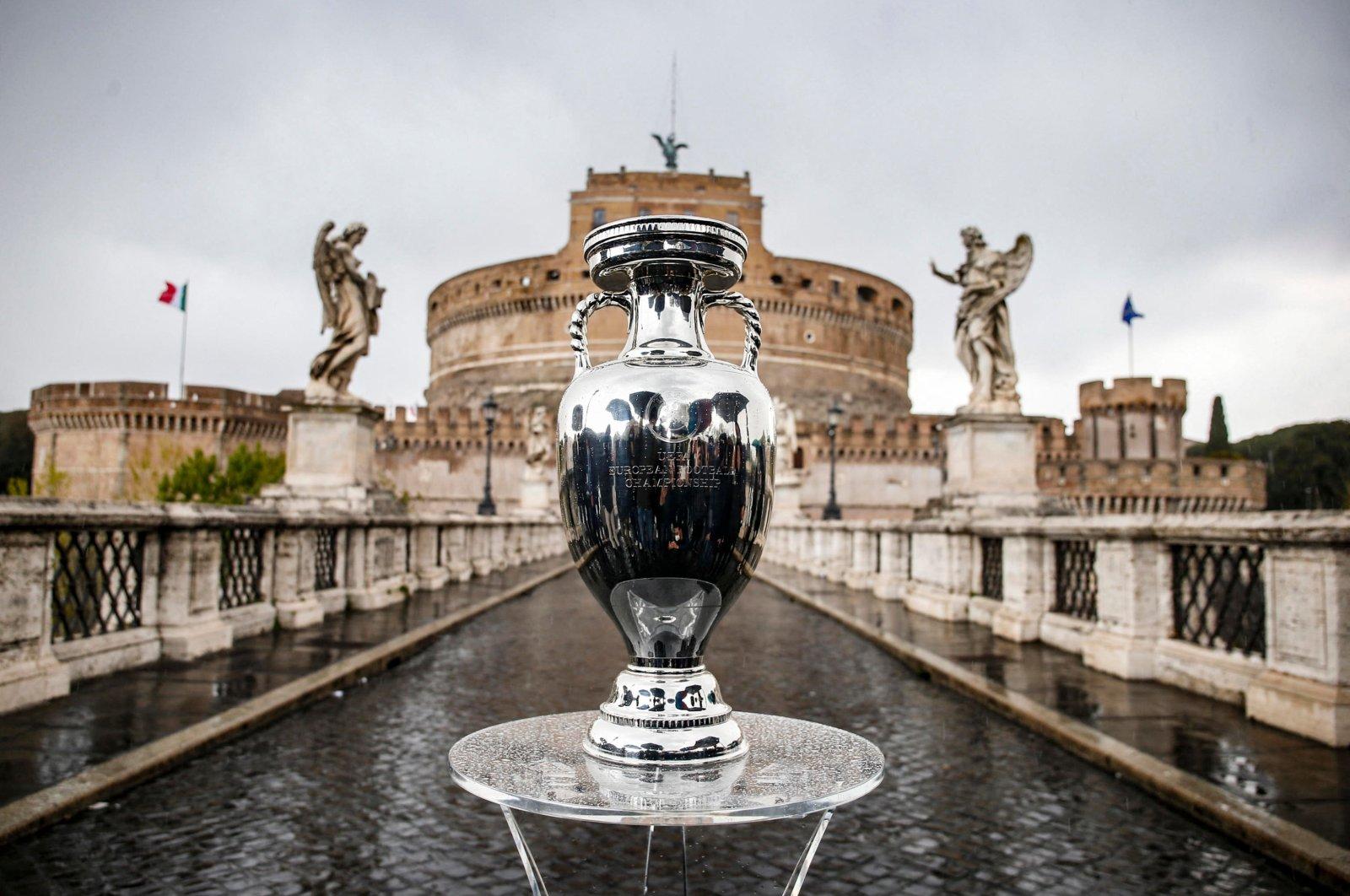 The UEFA Euro 2020 trophy on Sant'Angelo bridge, Rome, Italy, April 20, 2021. (AFP Photo)