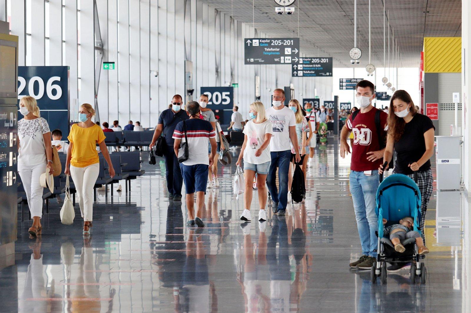 Tourists walk in the Milas-Bodrum Airport, Bodrum, southwestern Turkey, Sept. 28, 2020. (Shutterstock Photo)