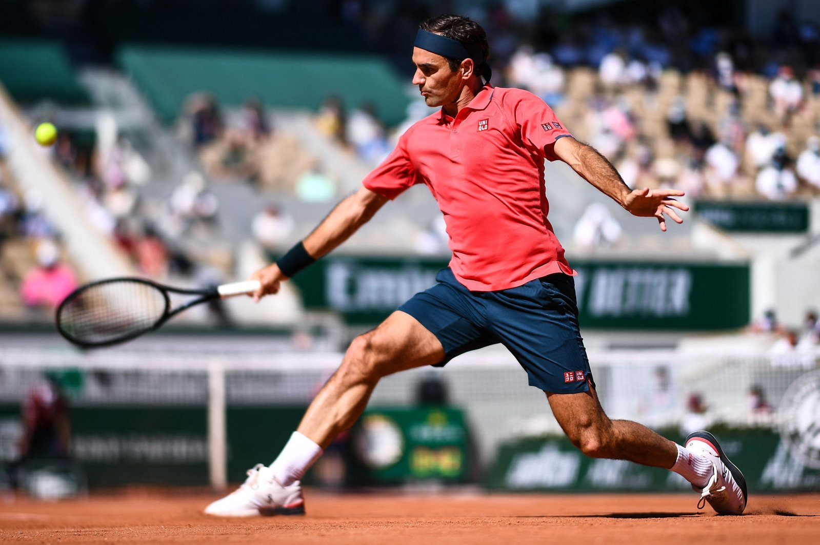 Switzerland's Roger Federer returns the ball to Uzbekistan's Denis Istomin during their French Open first-round match at Roland Garros, Paris, France, May 31, 2021. (AFP Photo)