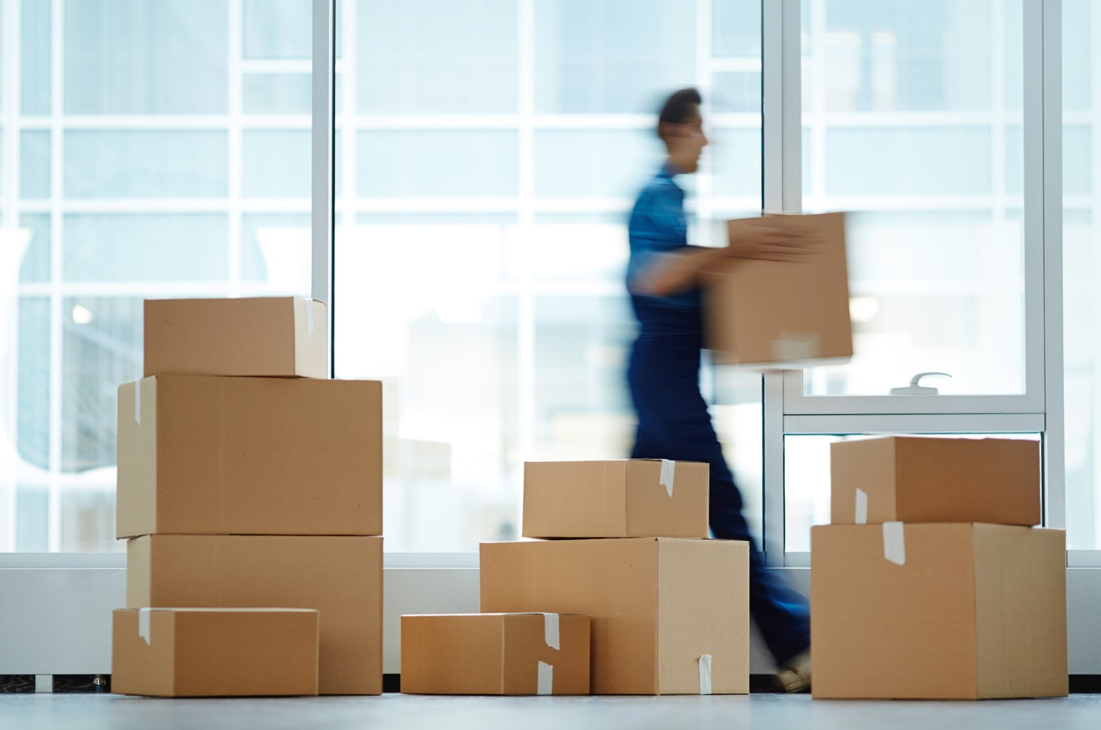 In order to keep a move nice and calm, it always pays to decide well in advance what you want to bring with you and what can go. (Shutterstock Photo)