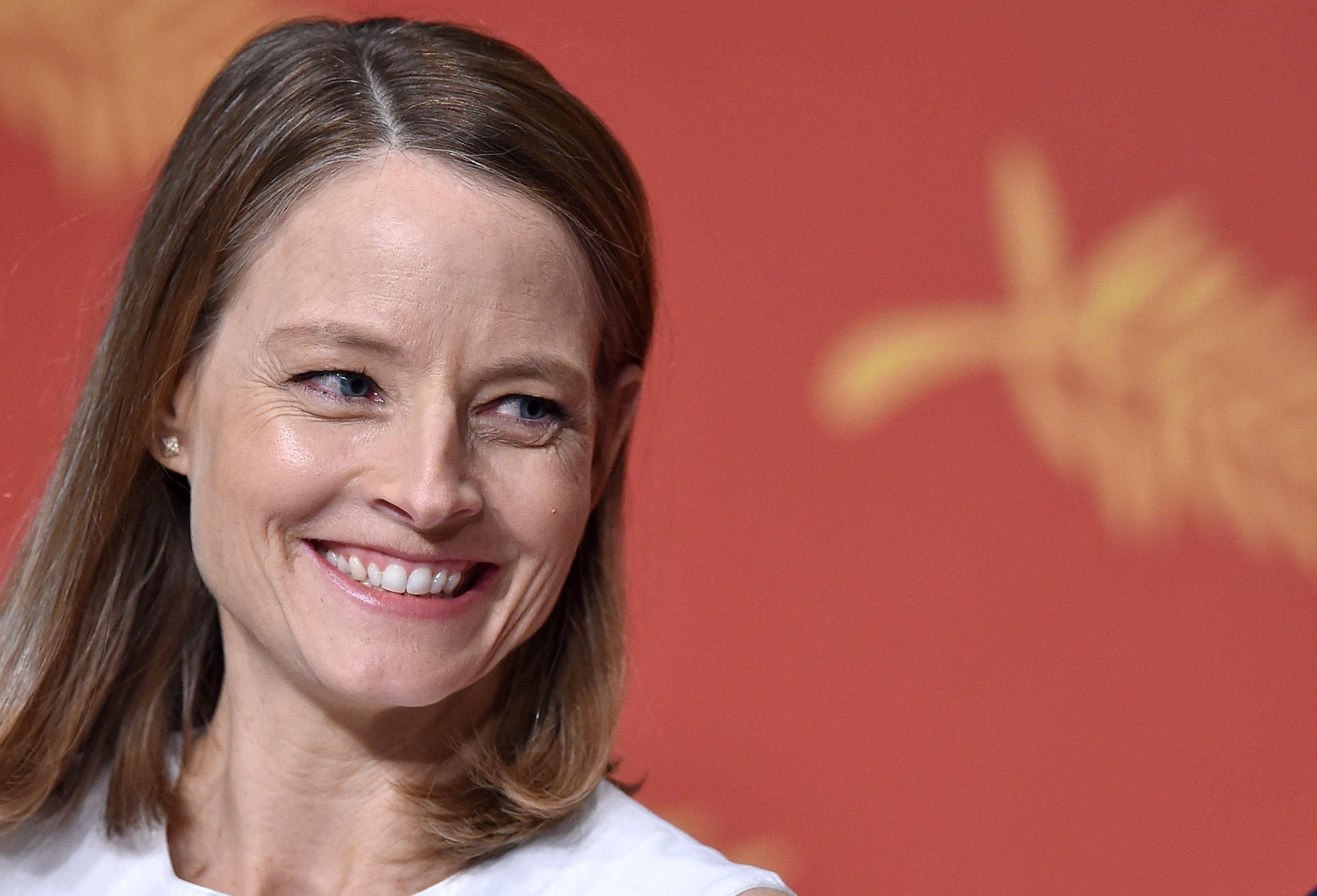 U.S. director and actress Jodie Foster smiles during a press conference for the film 'Money Monster' at the 69th Cannes Film Festival in Cannes, southern France, May 12, 2016. (AFP Photo)