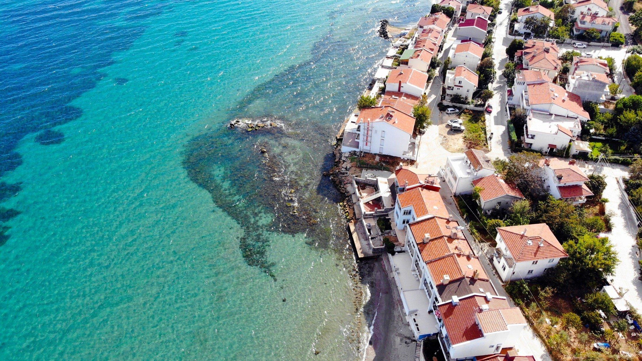The crystal clear water of the Marmara Sea rests on the coastline ofTekirdağ, Turkey. (Shutterstock Photo)