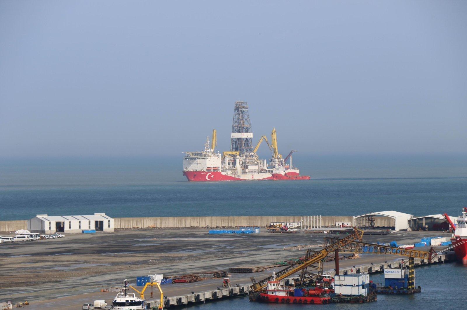 Turkey's first drillship Fatih can be seen off the Port of Filyos in Zonguldak, northern Turkey, April 6, 2021. (IHA Photo)