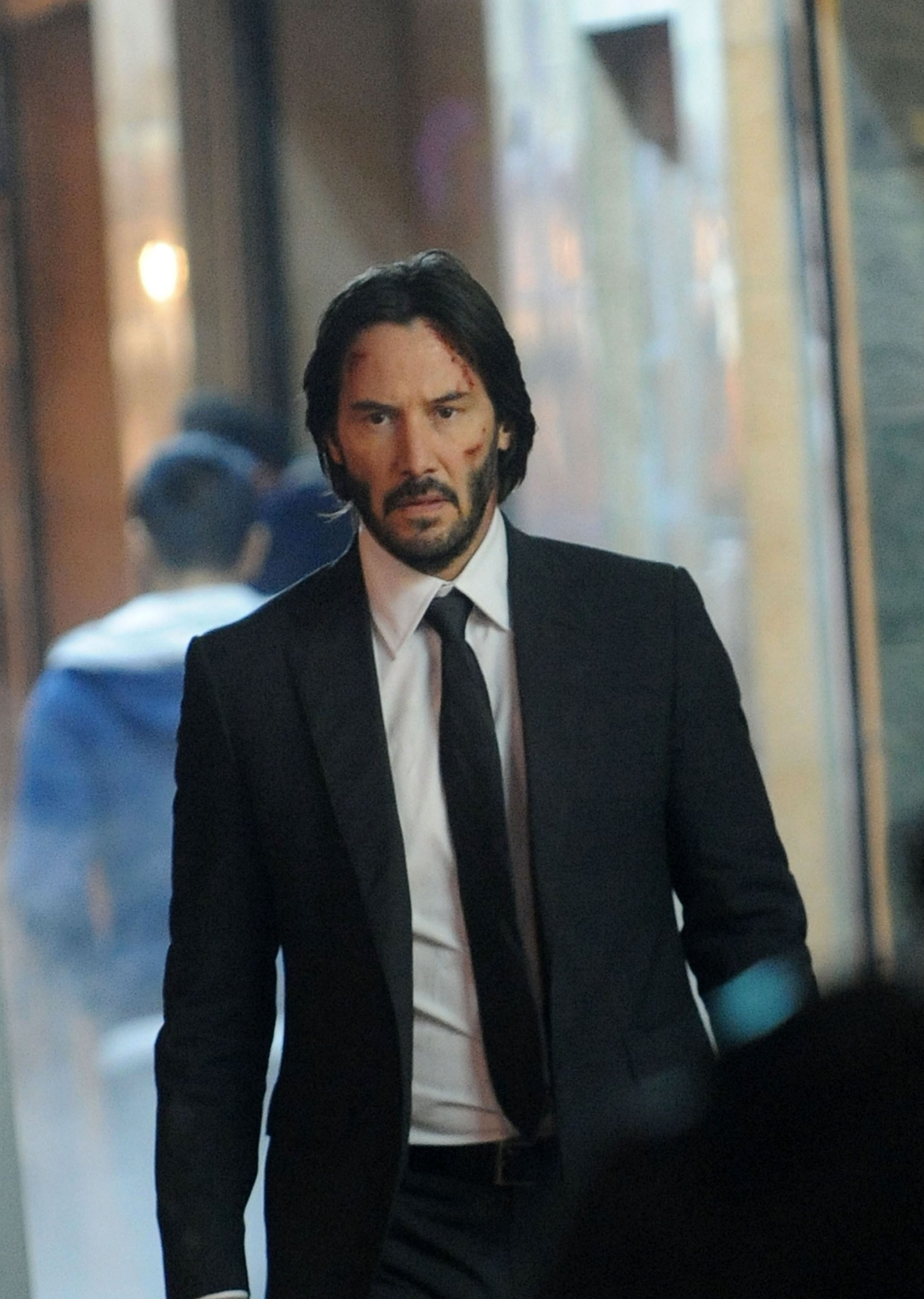 Actor Keanu Reeves walks on the set of 'John Wick Chapter 2' in New York City, U.S., Nov. 16, 2015. (Getty Images)